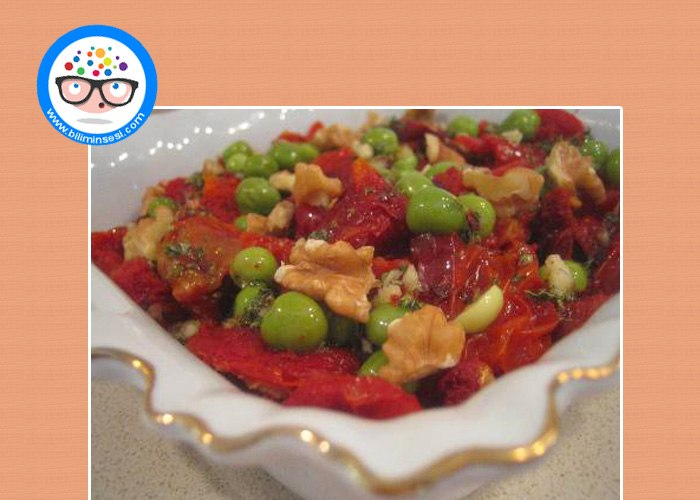Kuru Domates Salatasi